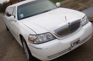 WHITE WEDDING LIMO HIRE